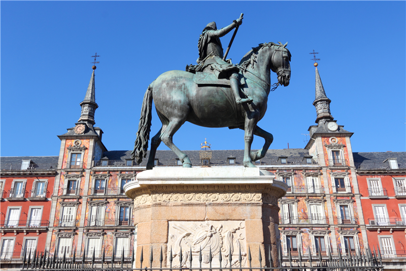 2-7 Days Madrid, Barcelona, Alicante, Seville, Lisbon Europe Explorer Flexible Tour from Madrid in English