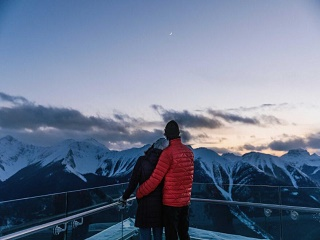 1-Day Banff, Johnston Creek, Vermillion Lake and Bow Falls Tour from Calgary
