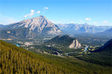 5-Day Canadian Rockies and Hot Springs Tour from Vancouver/Seattle, Vancouver out (Winter Tour)