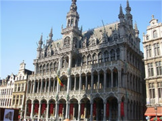 2-14 Day Brussels, Paris, Lucerne, Milan, Amsterdam  Europe Explorer Flexible Tour from Brussels in English