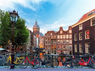 2-14 Day Netherlands, Belgium, France, Italy Explorer Flexible Tour from Amsterdam in English