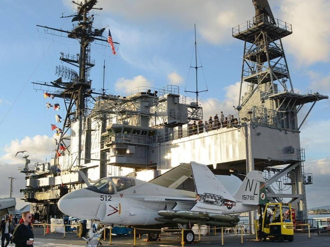 1-Day USS Midway and the San Diego Aircraft Carrier Museum Tou...