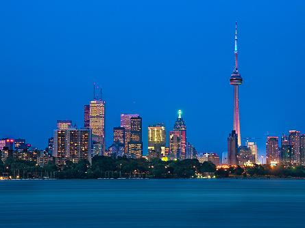 8-Day Ontario & French Canada Tour - Toronto In, Montreal Out