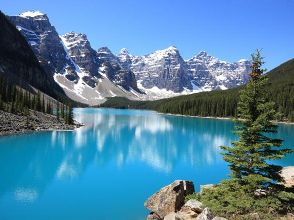 1-Day Winter Banff, Hot Springs, Bow Falls Tour from Calgary