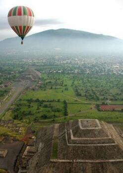 1-Day Hot Air Balloon with Tour of the Pyramids of Teotihuacan  from Mexico City