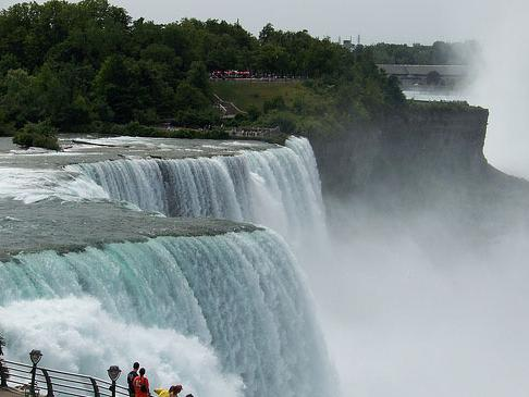 Niagara Falls Sightseeing Tour with Wine Sampling Tour from Toronto