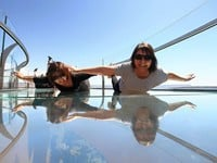 玻璃桥 (Skywalk Glass Bridge)