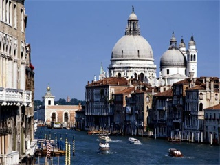 2-7 Day Rome, Florence, Genoa, Milan France and Italy Flexible Tour from Rome in English