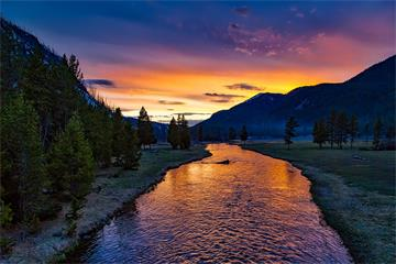 6-Day Yellowstone National Park, Grand Teton, Grand Canyon West Rim Tour from Salt Lake City