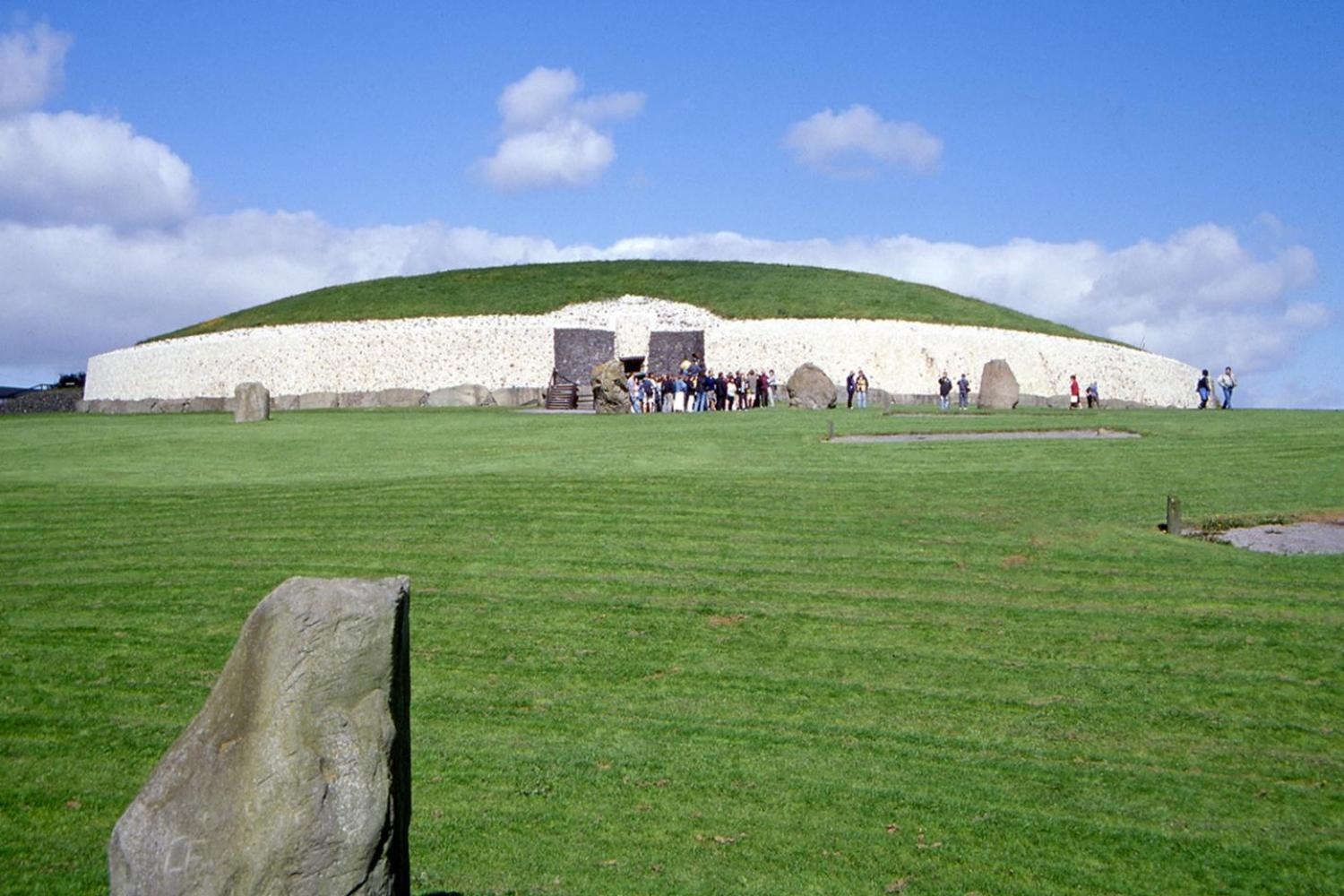 Newgrange and Hill of Tara Tour