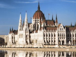 2-14 Day Prague, Budapest, Vienna, Amsterdam, Paris Europe Explorer Flexible Tour from Prague in English