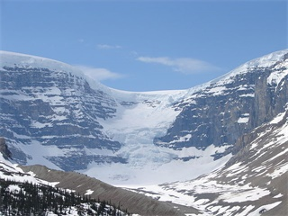 3-Day Winter Rocky Hot Springs, Lake Louise and Yoho National Park Tour from Calgary
