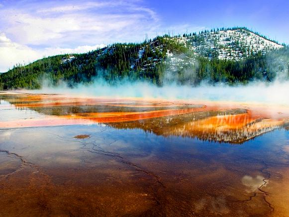 12-Day Yellowstone National Park  Overnight, Grand Canyon West, Theme Park Tour from Los Angeles/LV