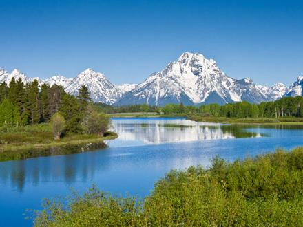 13-Day Yellowstone Overnight, Grand Canyon West, Theme Parks Tour from Los Angeles with Airport Transfer