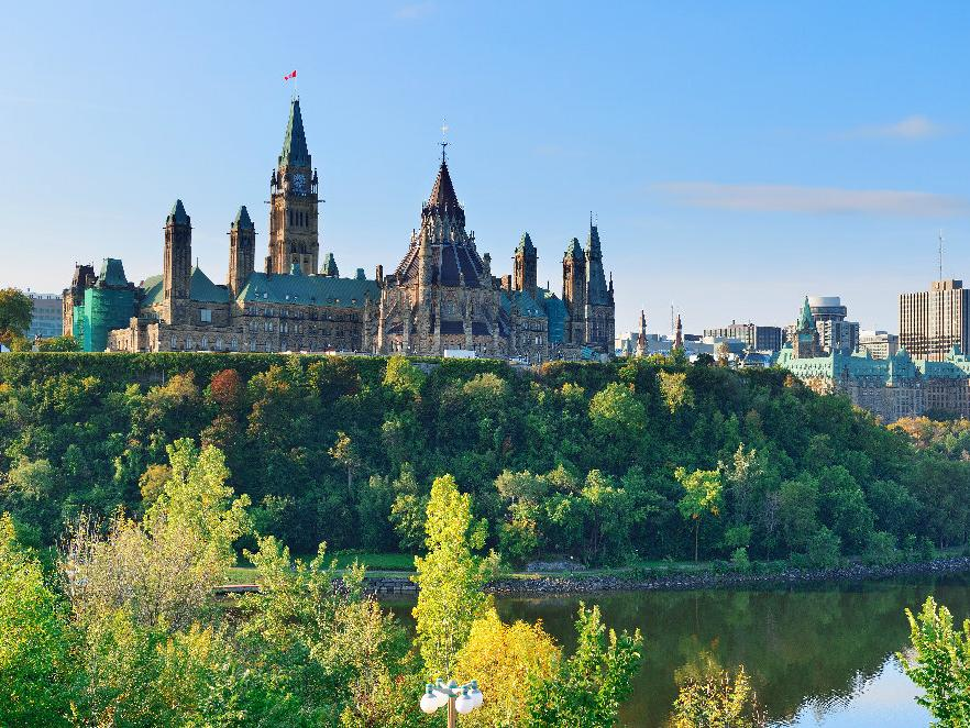 1-Day Ottawa Canada Day Carnival Special Tour from Montreal