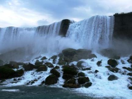 4-Day Toronto, Niagara Falls Tour from Toronto with Airport Transfers