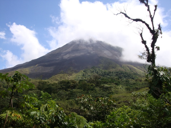 7 Days Mountain and Volcano Costa Rica Tour from San Jose...