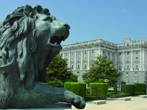 1-Day Royal Palace & Panoramic Tour from Madrid...