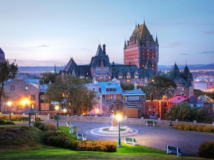 11-Day Eastern Canada, The Maritimes and Niagara Falls In-depth Tour from Toronto