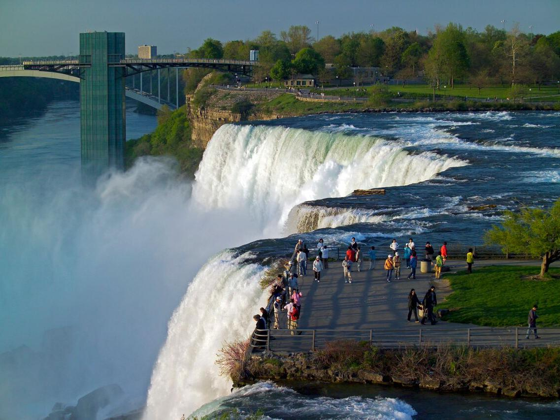 Ultimate Travel Guide to the US-side of Niagara Falls