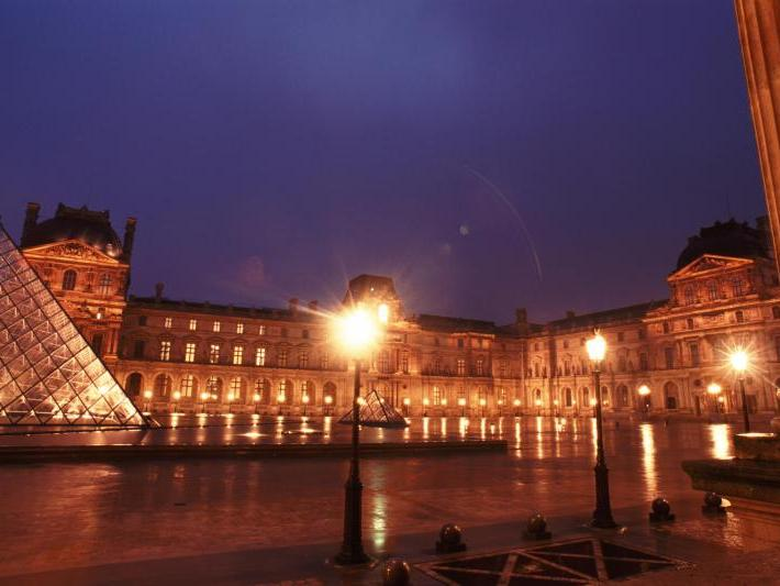 The Louvre Tour with Audioguide