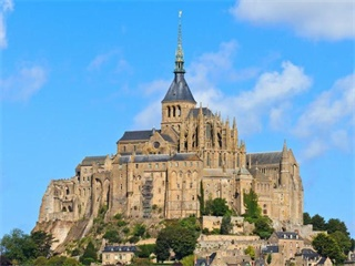 3-Day Mont Saint Michel & Castles of the Loire Valley Tour from Paris
