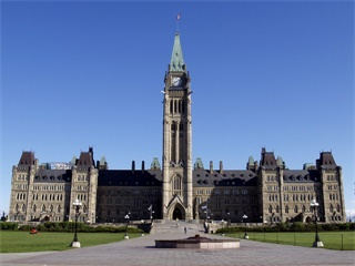 7-Day Montreal, Mont Tremblant, Quebec, Niagara Falls and Thousand Islands Tour from Toronto