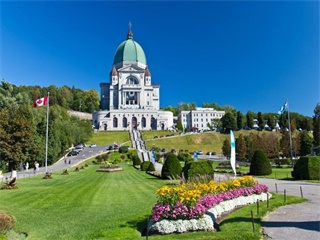 3-Day Montreal, Ottawa, Quebec, Canyon Sainte-Anne and Thousand Islands Fall Foliage Tour from Toronto