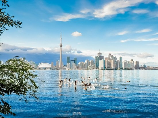 3-Day Niagara Falls, Toronto,Thousand Islands Tour from Boston/Charlton