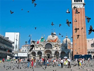 5-Day Rome, Vatican City, Florence, Venice Tour from Rome Airport Pickup