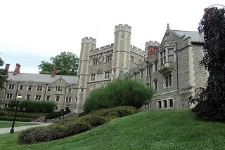 10-Day US East 8 famous Universities tour from New York with Airport Transfers (private tour)