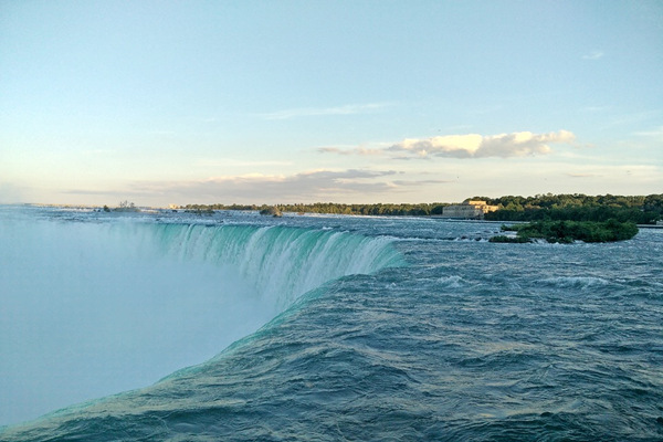 4-Day Toronto, Niagara Falls, Detroit Tour from Chicago