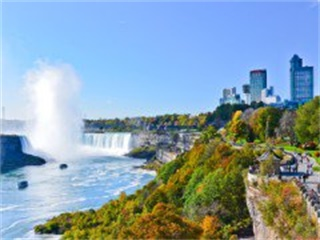 4-Day Toronto, Overnight at Niagara Falls, Niagara-on-the-Lake Tour from Toronto