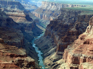 10-Day Yellowstone Overnight, East & South Rim Grand Canyon, Antelope Canyon and Theme Parks Tour from San Francisco