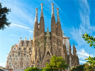 2-7 Days Madrid, Barcelona, Alicante, Seville, Lisbon Europe Explorer Flexible Tour from Lisbon in English