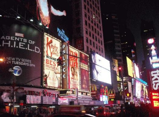 8-Day East Coast New Year's Eve Countdown Deluxe Tour from New York with Airport Transfers