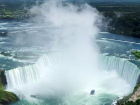 Niagara Falls Freedom Tour from Toronto (Hornblower)