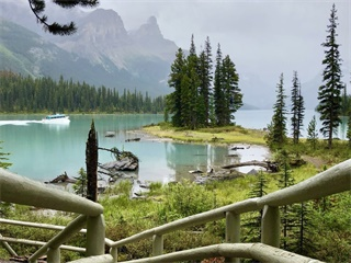 4-Day Canadian Rockies, Banff, Jasper, Maligne Lake Tour from Calgary, Vancouver out