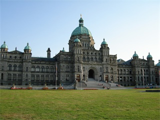 10-Days Victoria, Whistler, Rocky Mountains, Icefield, Banff, Calgary, Drumheller Tour from Vancouver