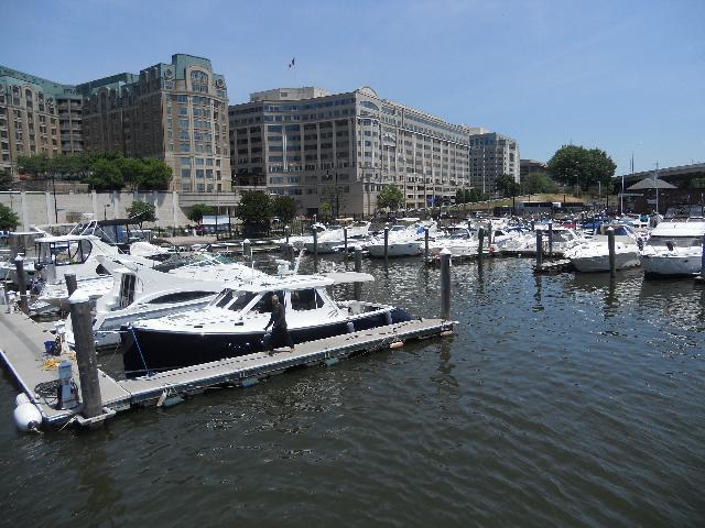 Potomac cruise tour
