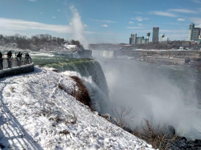 Niagara falls in Snow