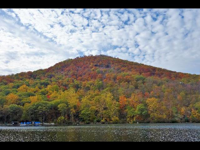 Bear Mountain is beautiful in the Autumn.
