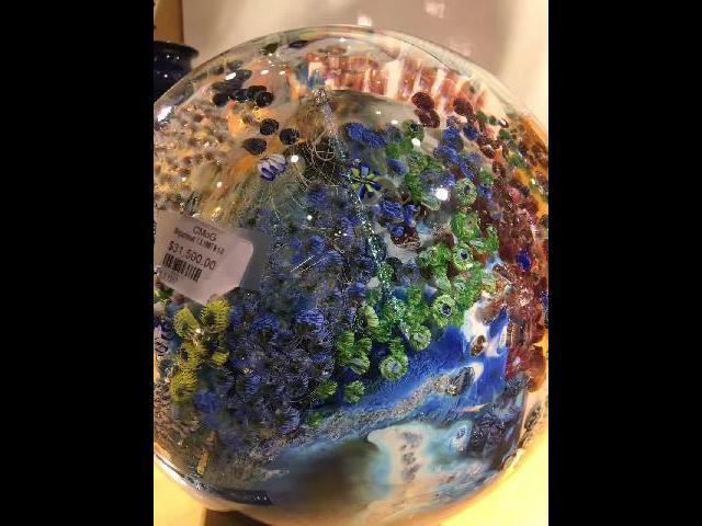 Nice globe, nice price