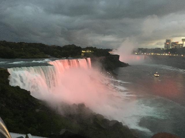 Niagara Falls nigh