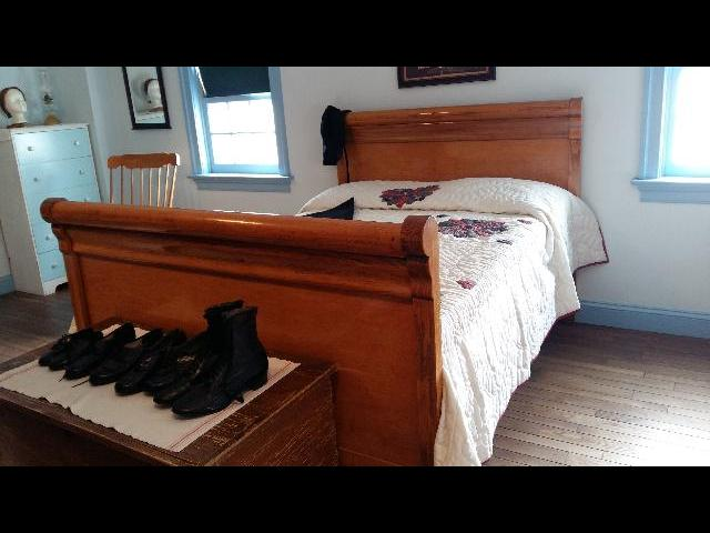 Girl's room- Amish Farm House
