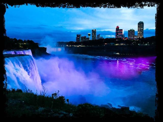 Niagara in the night