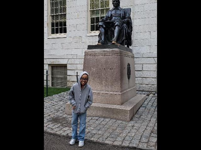 Harvard University抯 famous statue