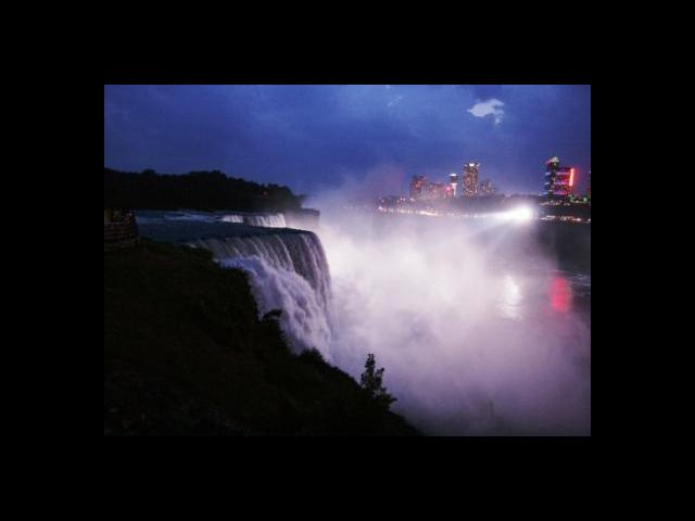 Niagara at night - light show