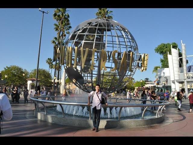 Front Area of Universal Studios