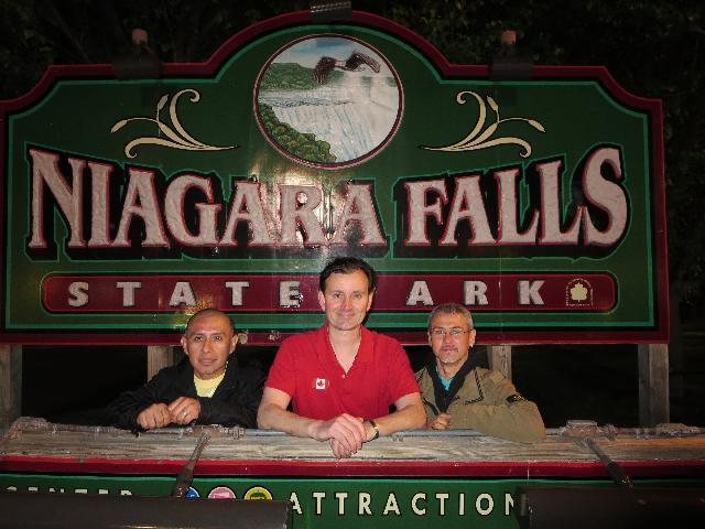Niagara Falls State Park entrance sign